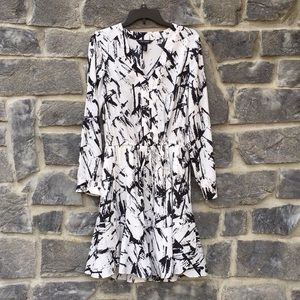 White House Black Market printed shirtdress